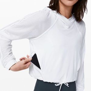 Lululemon Catch a Breeze Pullover Cropped Hoodie
